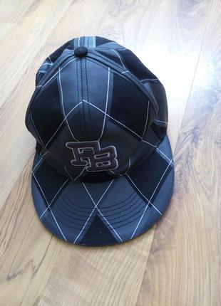 Мужские кепка и бейсболки и рєперская охват-57-58см