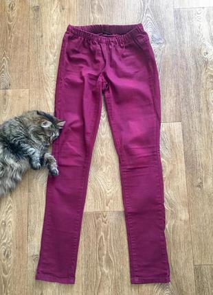 Отличные базовые брюки джегинсы