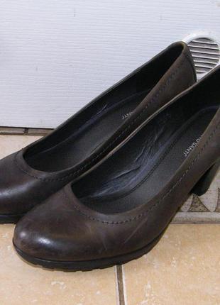 Новые кожаные туфли roberto santi размер 41-42