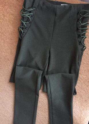 Крутые леггинсы с завязками со шнуровкой (молния сзади)