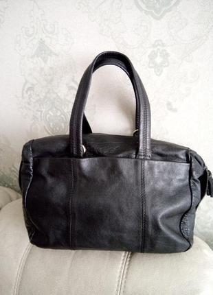 Стильная кожаная сумочка topshop
