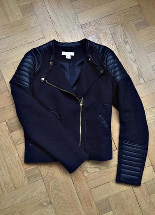 Темно синяя куртка с кожаными вставками от h&m 💙