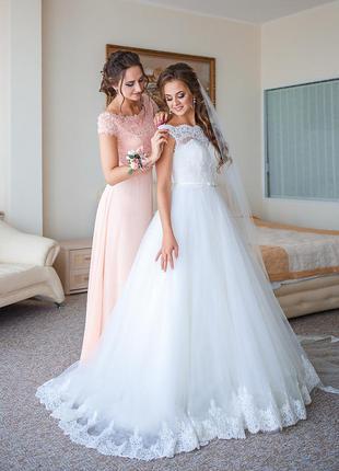 Акция !свадебное платье, пышное,со шлейфом, цвет айвори, ivory,  обшито бисером.