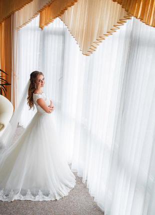 Акция !свадебное платье, пышное,со шлейфом, цвет айвори, ivory,  обшито бисером.3
