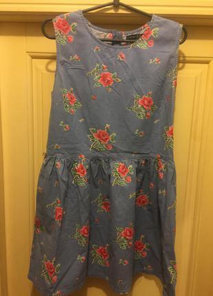 Супер платье в розы.