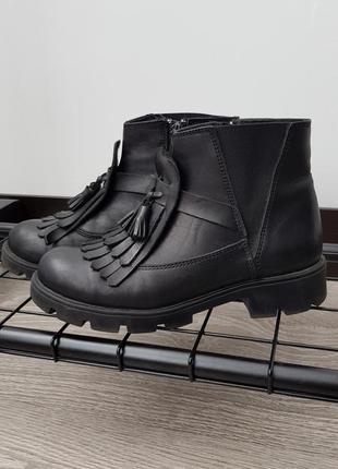 Осенние ботинки для девочки woopy