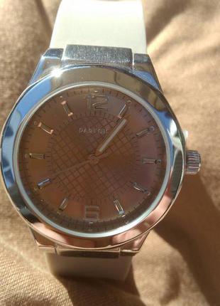 Модные часы parfois силиконовый ремешок