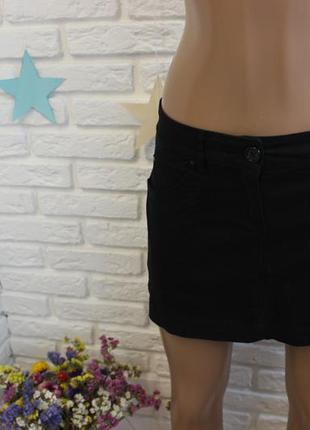 Черная, джинсовая юбка mango