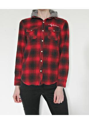 Актуальная хлопковая рубашка с капюшоном отличного качества