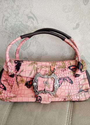 Красивая  классическая кожаная сумочка.