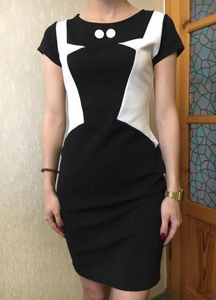 Платье облегающее