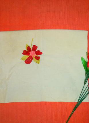 Наволочка с вышитыми цветами