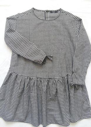 Трендовое свободное платье в клетку с заниженой талией