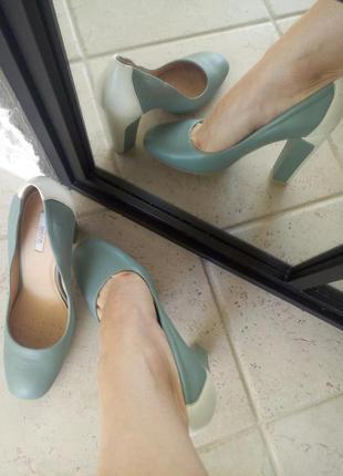 Туфли,лодочки на каблуке