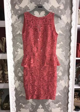 Платье гипюр с баской