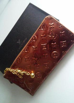 Лаковый стильный кошелек.распродажа
