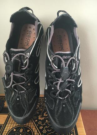 Фирменные кроссовки из натуральной замши стелька 25 см