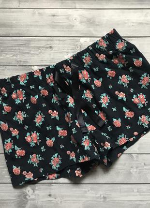 Крутые трикотажные шорты