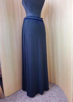 Чёрная трикотажная юбка макси с поясом резинкой3