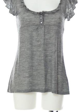 Серая трикотажная блуза-туника с перламутровыми пуговицами