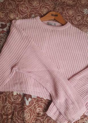 Укороченный розовый свитер, кофта