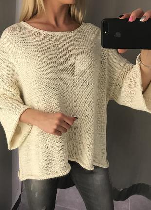 Молочный вязаный свитер с широкими рукавами amisu. свитер оверсайз. бежевый свитер. хс/хл
