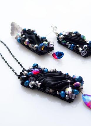 Черный комплект украшений с лентой шибори и хрустальными бусины