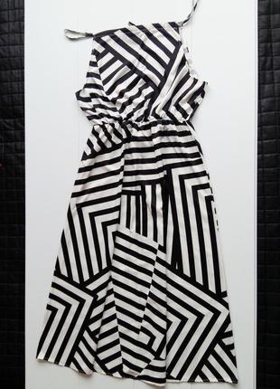 Платье в пол в геометрический принт