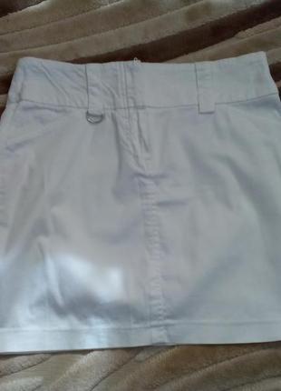 Белая мини юбка