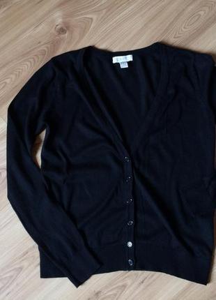 Короткий черный свитер-кардиган forever21