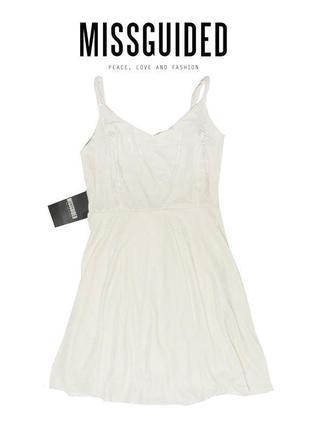 Новое вельветовое платье с серебристым отливом и сеткой на спине missguided