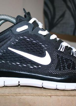 Кросівки атлетичні/бігові nike free tr fit 4