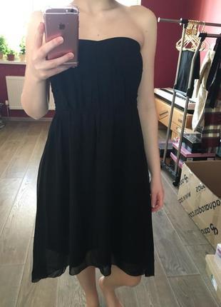 Асимметричное шифоновое платье с открытыми плечами s