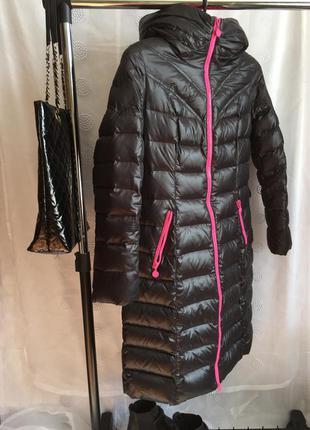 Теплое зимнее пальто - пуховик ! 70 % пух