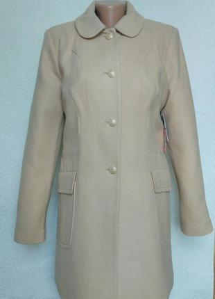 Новое, шерстяное, бежевое пальто прямого кроя. дорогой бренд. большой размер
