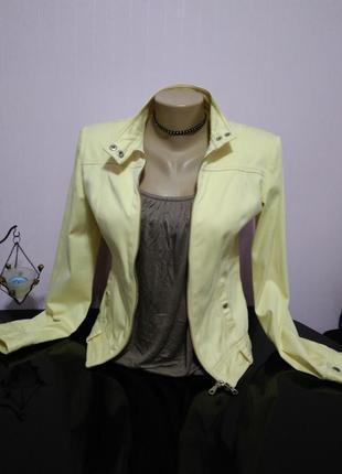 Куртка курточка 42-44 р.