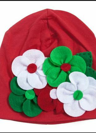Шапка для девочки красная с цветами из фетра