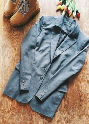 Стильный классический шерстяной пиджак от globus essentials