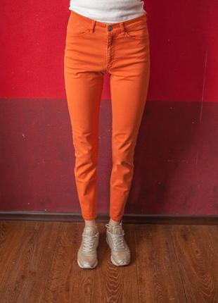 Оранжевые джинсы h&m