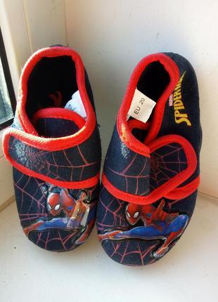 Тапочки на мальчика 20 европ размер стелька 13,2 см германия spiderman