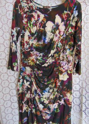Замечательное платье в цветах, phase eight.