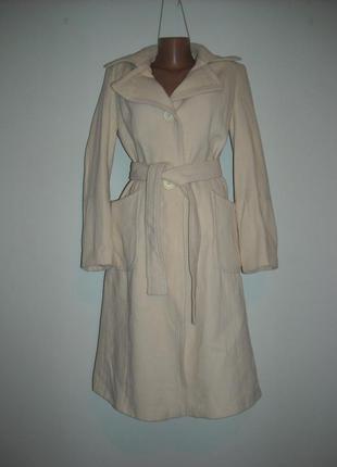 Пальто oasis бежевого цвета стильное ,ткань шерсть