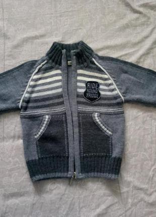 Теплый свитер на мальчика