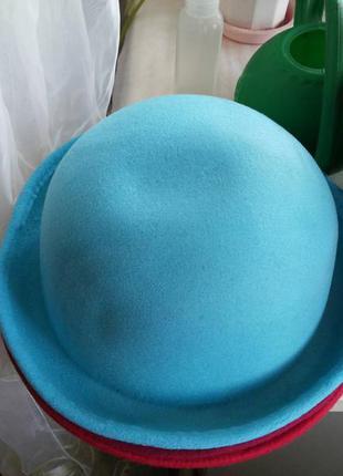 Фетровая шляпа котелок бирюзового цвета