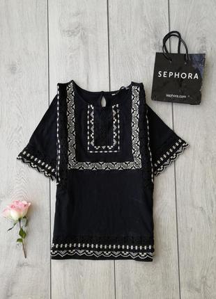 Модная и стильная футболка с вышивкой размер s