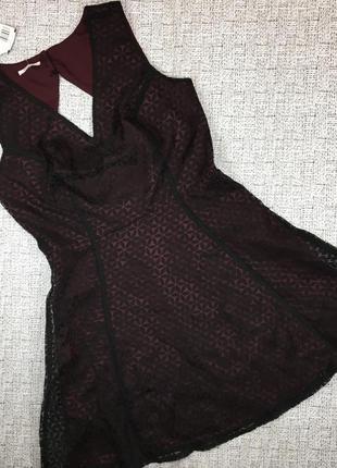 Франция! очень красивое нарядное платье с вырезом на спине,