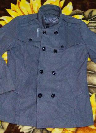 Мужское пальто демисезонное серое