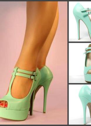 Босоножки мятного цвета на каблуке, стелька 24 см