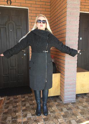 Пальто в ідеальному стані
