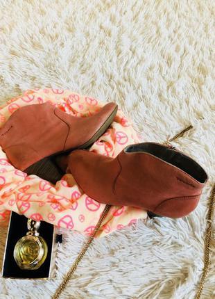 Ботинки , чобітки шкіра бренд tamaris лише 199 грн